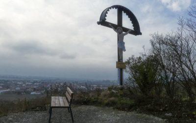 Von Brunn im Felde zum Emmauskreuz