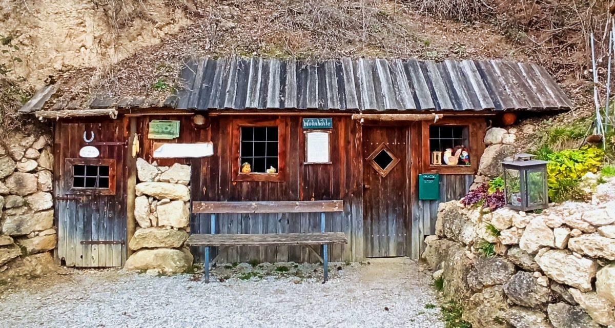 Von Reichersdorf zur Wohnhöhle