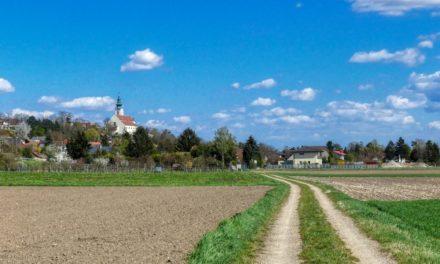 Der Bründlstallweg in Kirchberg am Wagram (ehem. Gartenschauweg 4e)