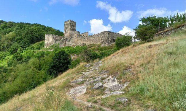 Rundwanderung von Schloss Erlahof über das Lusthaus und die Ruine Hinterhaus